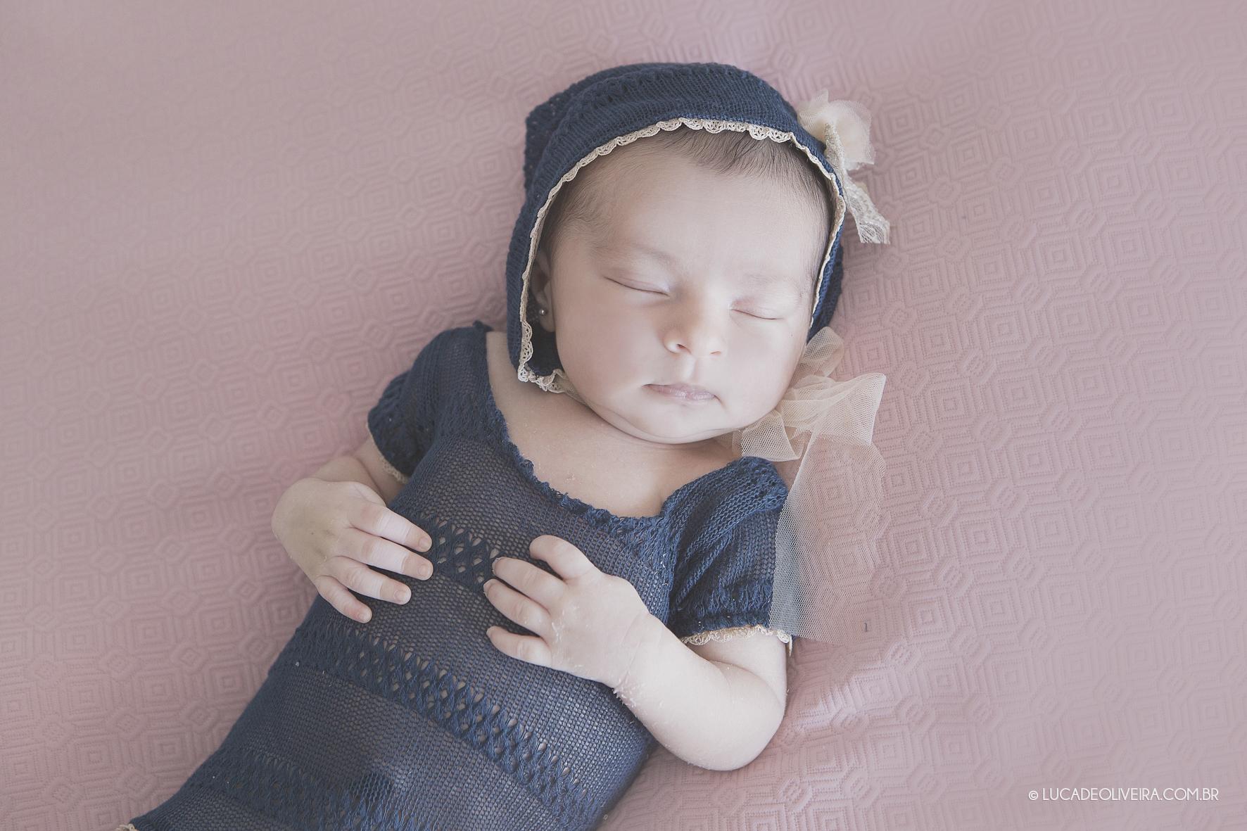 Antonia recém-nascido